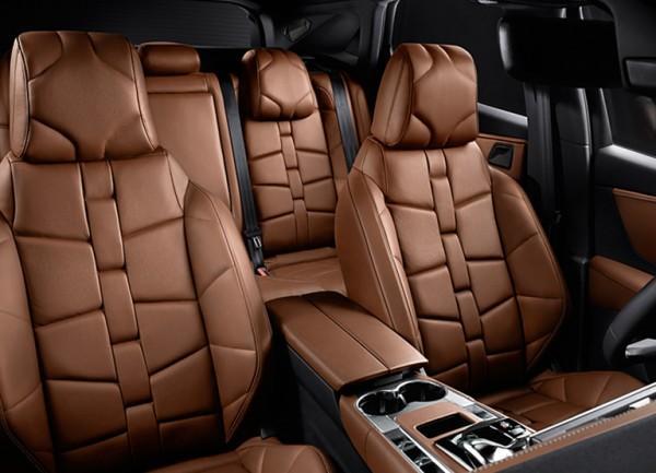 DS Automobiles salon samochodowy - DS7 CROSSBACK wnętrze - fotele